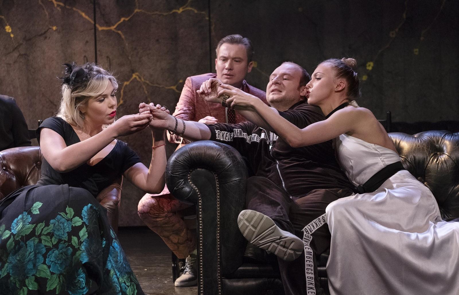 http://www.modern-theatre.ru/assets/images/na-dne/yuliya-meshkova/dscf7111.jpg